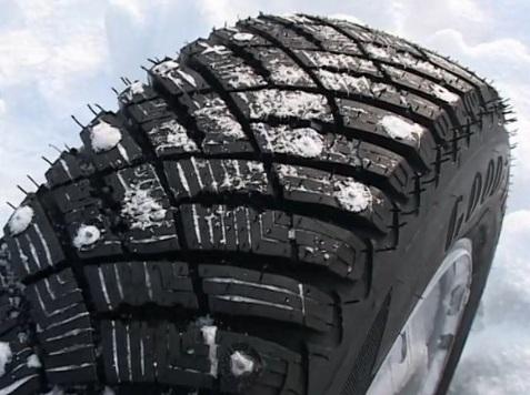 «имн¤¤ шина Goodyear Ultra Grip Ice Arctic 245/45 R17 99T - фото 10